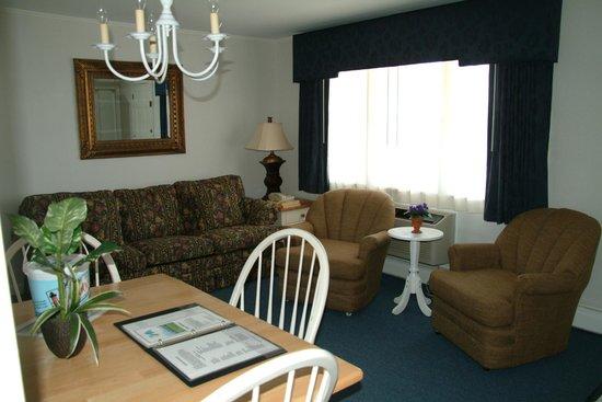 Colonial Acres Resort: Suites