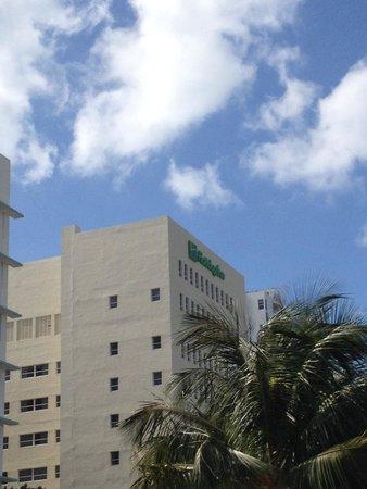 Holiday Inn Miami Beach: boas acomodações