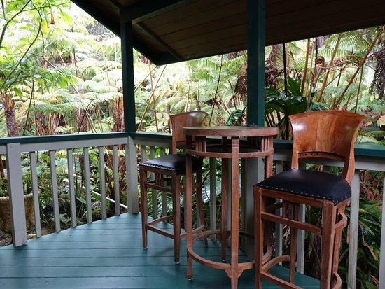 Chalet Kilauea: A great place to eat, read and unwind.