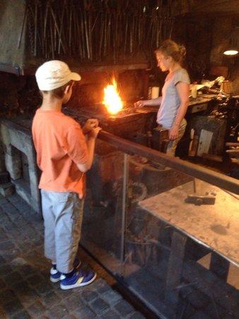 Iron and Railway Museum: Une chouette démonstration du travail à la forge