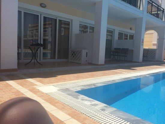 Atlantica Porto Bello Royal: Pool facing our room.