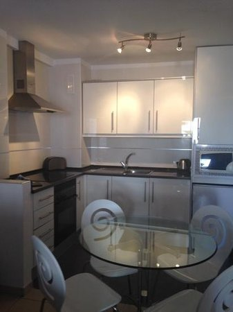 Paloma Beach Apartments: How nice is this kitchen!