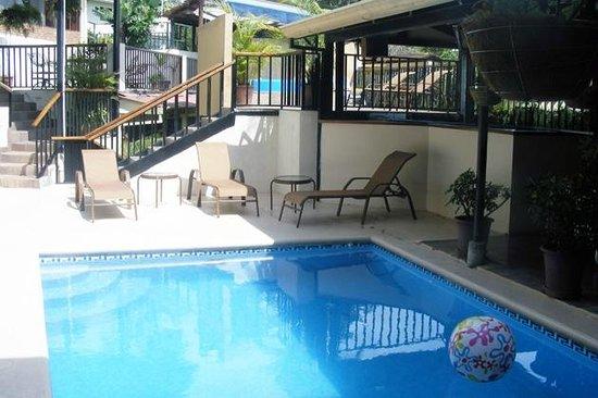 ApartHotel Casa Reflejos: Pool View