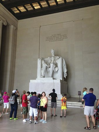 DC by Foot: My first sighting of Abraham Lincoln's statue at his Memorial
