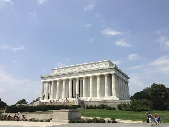 DC by Foot: Lincoln Memorial