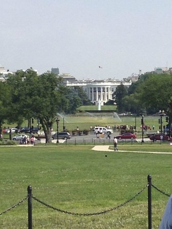 DC by Foot: View of the White House from the Washington Monument