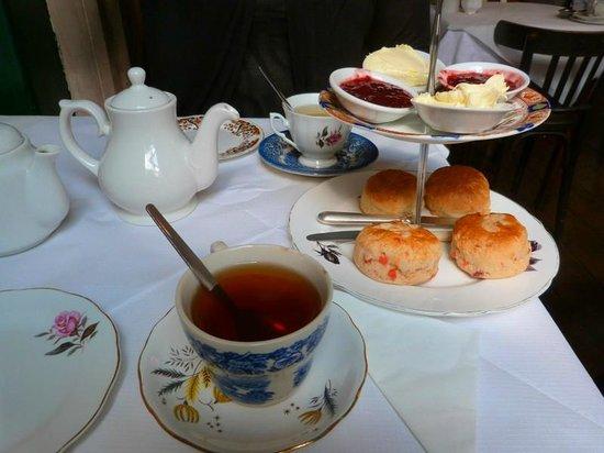 Soho's Secret Tea Room: Thé Earl Grey et Scones