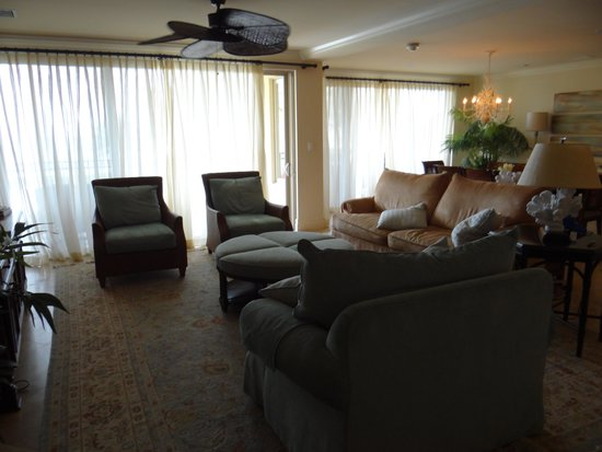 The Somerset on Grace Bay: Living Area
