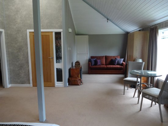 Duisdale House Hotel: Cottage bed area
