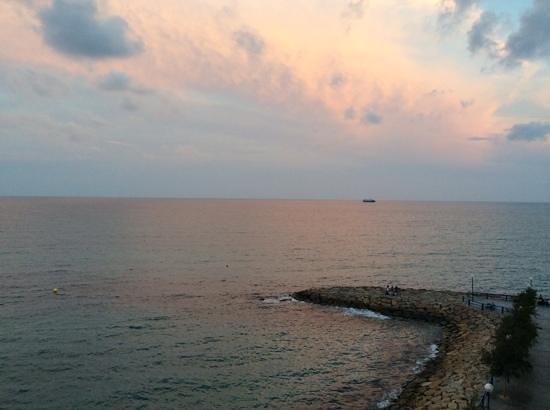 Melia Alicante: vue du 3 eme coté mer