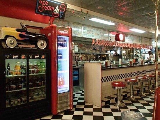 DJ's 50's and 60's Diner: The counter and kitchen