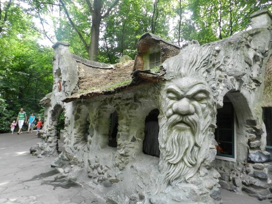 Efteling: One of the houses in the 'Sprookjesbos', gnome world.