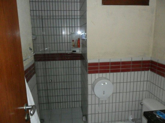 Pontal Praia Hotel: Banheiro