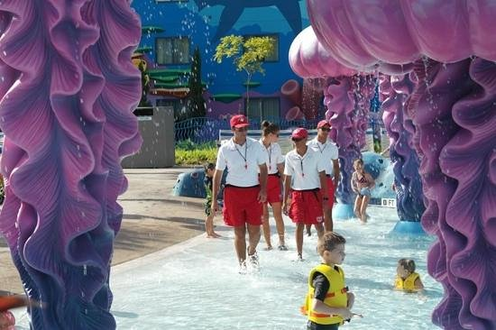Disney's Art of Animation Resort: a great main pool area with lifeguards