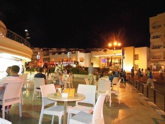 Le Royale Sharm El Sheikh, a Sonesta Collection Luxury Resort: Naama Bay Italian Gelateria
