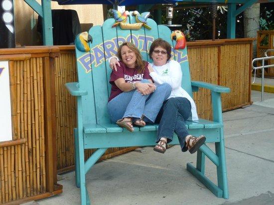 Parrot Key Caribbean Grill : Fun chair