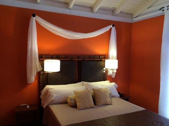Raices Esturion Hotel: Спальня в лодже