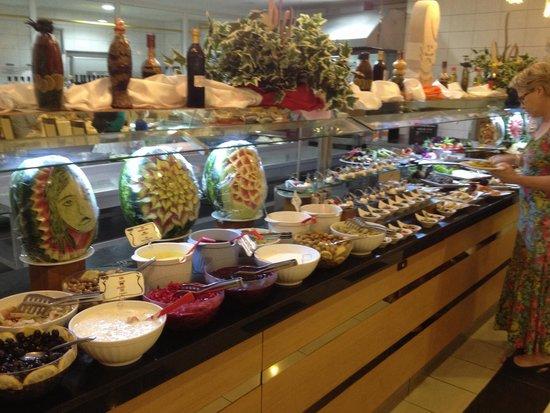 Hotel SideKum: Buffet