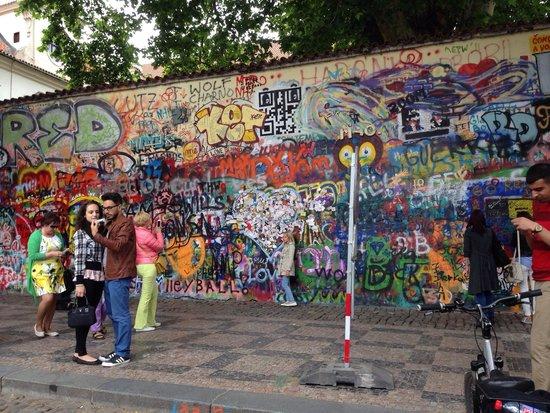 Praha Bike -  Bicycle Tours & Rentals : John Lennon wall