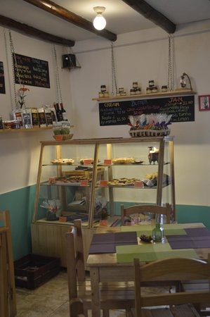 Il Piccolo Forno: Bakery case, the homemade jams are great too!