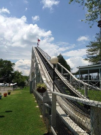 Lake Winnie Amusement Park : Lift hill to the Cannonball
