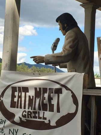 Eat 'n Meet Grill and larder: Elvis is in the building