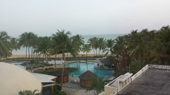 El San Juan Resort & Casino, A Hilton Hotel : The pool and beach from our room