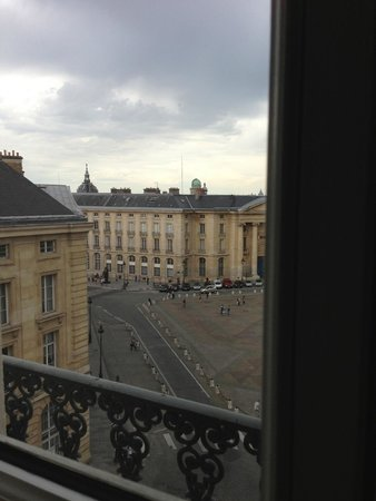 Hotel les Dames du Pantheon: View from Room #50