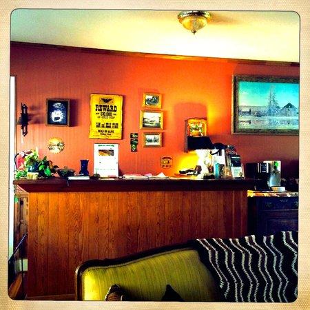 Oregon Hotel: Reception and breakfast area