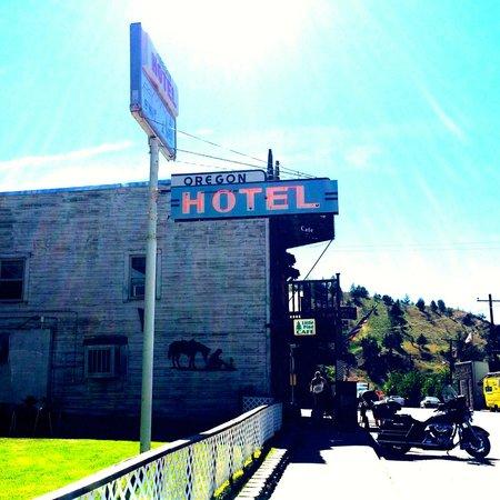 Oregon Hotel: Hotel Sign