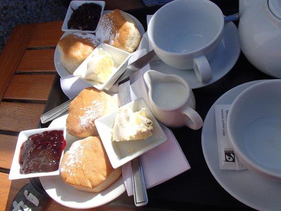Harbour View: cream tea for 2