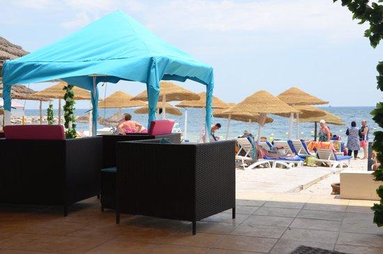 Golf Residence Hotel : beach area
