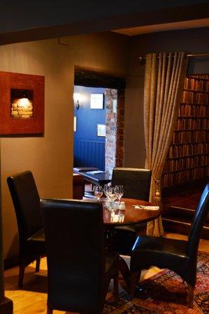 Swan Inn: Dining area
