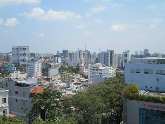 EdenStar Saigon Hotel: Blick von der Dachterasse