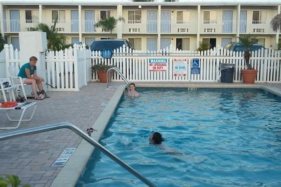 Americas Best Value Inn-Bradenton/Sarasota: eveningdip