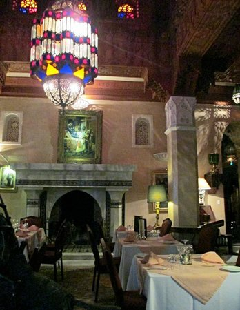 Palais Donab: The opulent dining room
