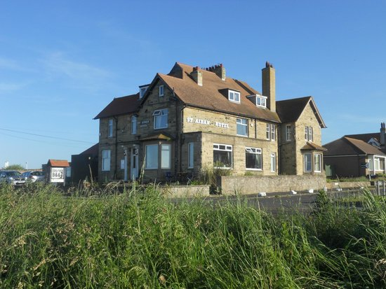 St Aidan Hotel: Outside view from seafront