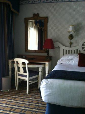 Disney's Yacht Club Resort: in the room