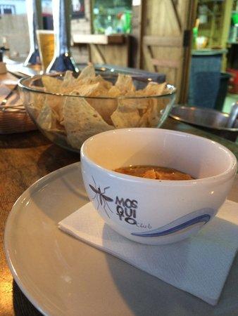 Mosquito Club: Humus con sesamo,soja y pasas