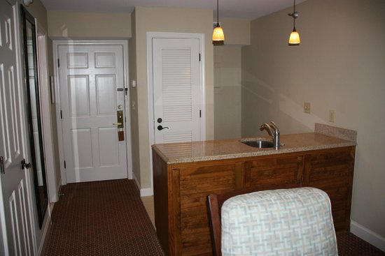 Sanderling Resort: Wet Bar Area
