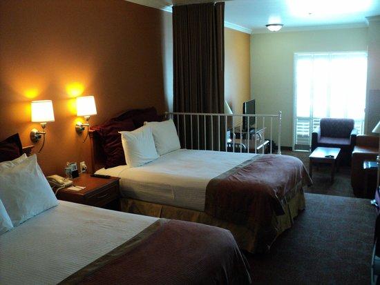 Desert Palms Hotel & Suites : Our suite