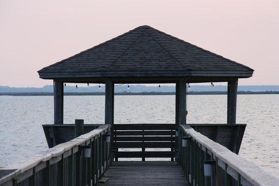 Sanderling Resort: Beautiful Pier Near Spa