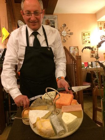 Restaurant Chez Max : Fantastic service and a beautiful cheese platter.