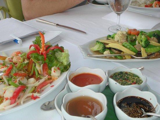 Royal Cliff Beach Hotel : ужин