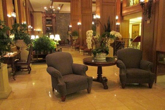 The Inn on Biltmore Estate: Lobby View