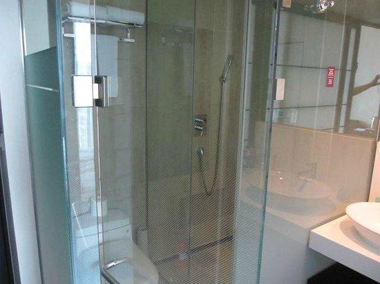 Mercure Seoul Ambassador Gangnam Sodowe : nice bathroom