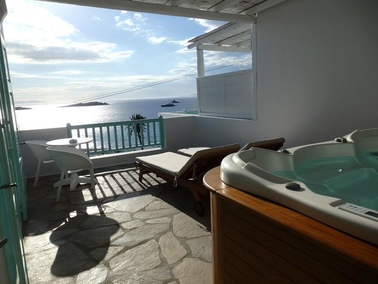 Bill & Coo Suites and Lounge : balcony honeymoon deluxe suite nr. 106