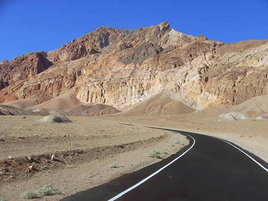 Artist's Drive : the road