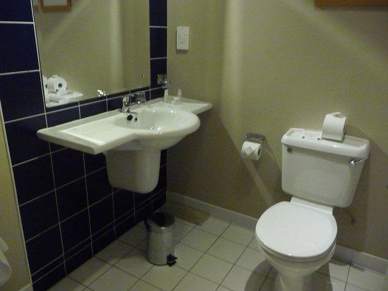 City Hotel: Banheiro