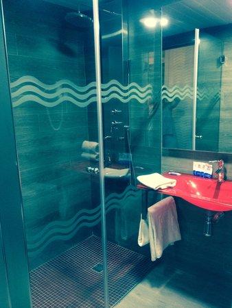 Aparthotel Rosa del Mar: Spotless bathroom!